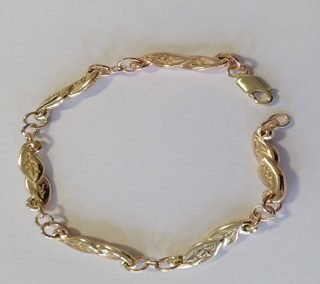 9kt yellow gold leaf bracelet