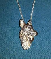 Kalan 3D dogs head pendant
