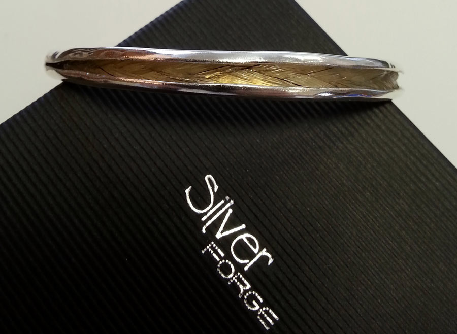 Bangle with Horse Hair inlay
