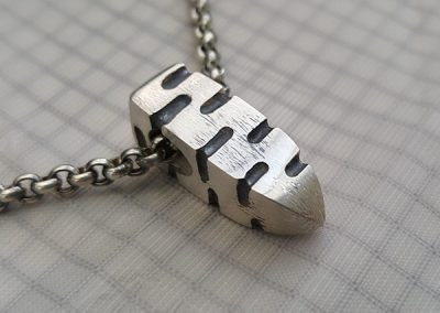mens zig zag pendant side view