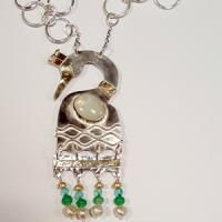 necklace in silver with stones and beads