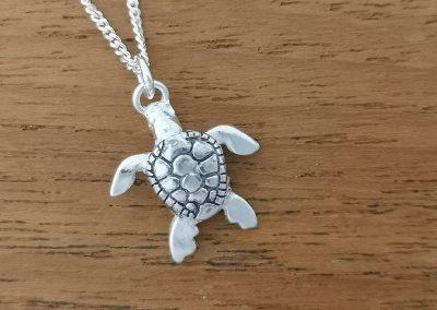1cm silver turtle pendant